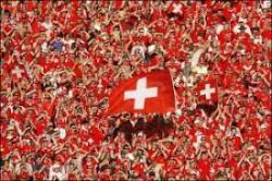 foule supporters suisses drapeau suisse